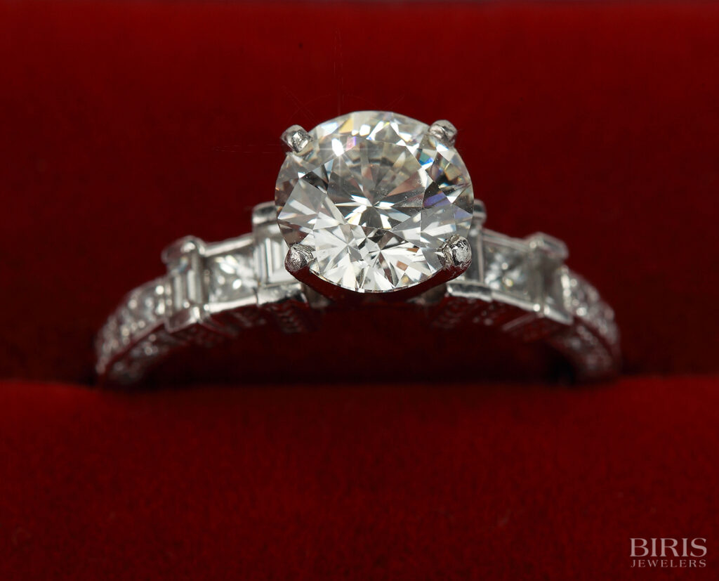 Engagement-Ring-platinum-diamnd-engagement-ring